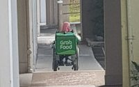 pemandu grab food